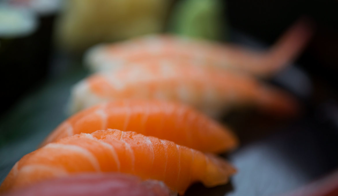 """<span class=""""hidden"""" style=""""color: white; font-size: 24pt;"""">Salate</span><br><br>261. Maguro Nigiri Sushi"""